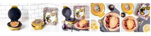 Uncanny Brands Marvel Groot Waffle Maker