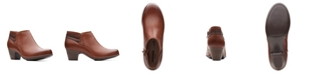 Clarks Collection Women's Valarie 2 Ashly Leather Booties
