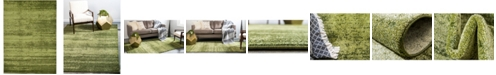 Bridgeport Home Lyon Lyo3 Green 7' x 10' Area Rug