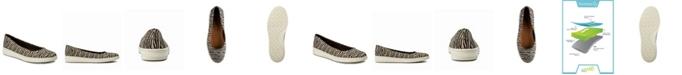 Baretraps Nadra Slip on Women's Sneaker Flat