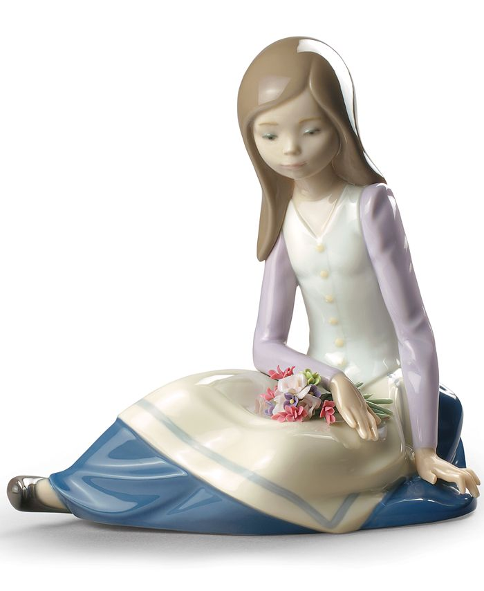 Lladró - Contemplative Young Girl Collectible Figurine
