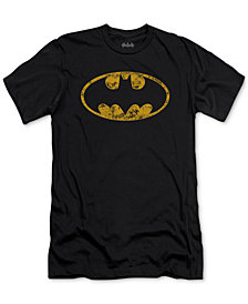 Batman Defender Men's Graphic T-Shirt