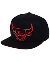 competitive price dad45 993ad Mitchell   Ness Chicago Bulls Metallic Cropped Snapback Cap