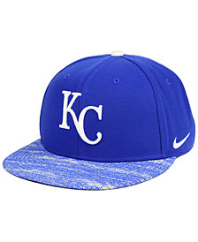 Nike Kansas City Royals Reverse New Day Snapback Cap