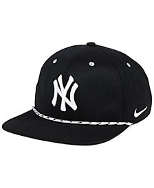 Nike New York Yankees String Bill Snapback Cap