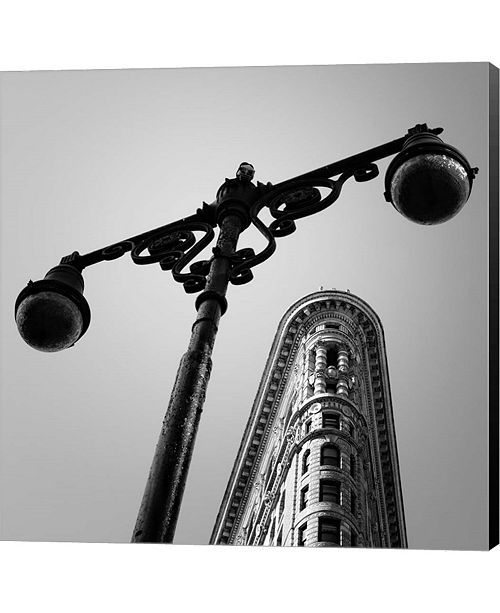 Metaverse Nyc Flat Iron By Nina Papiorek Canvas Art