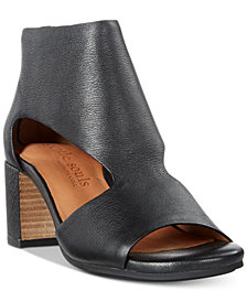 Gentle Souls by Kenneth Cole Women's Charlene Peep-Toe Shooties