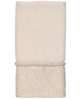Manor Hill Fingertip Towel