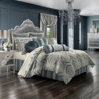 J. Queen New York Gianna Tufted Pillow