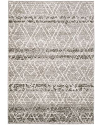 "Adirondack Silver and Ivory 5'1"" x 7'6"" Area Rug"