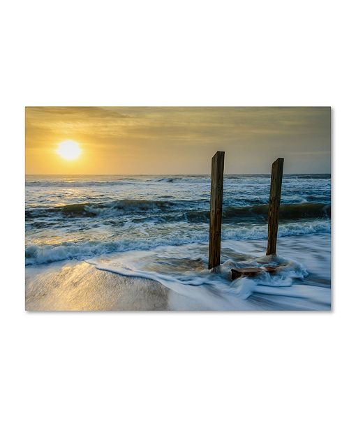 """Trademark Global PIPA Fine Art 'Kissed by the Sea' Canvas Art - 12"""" x 19"""""""
