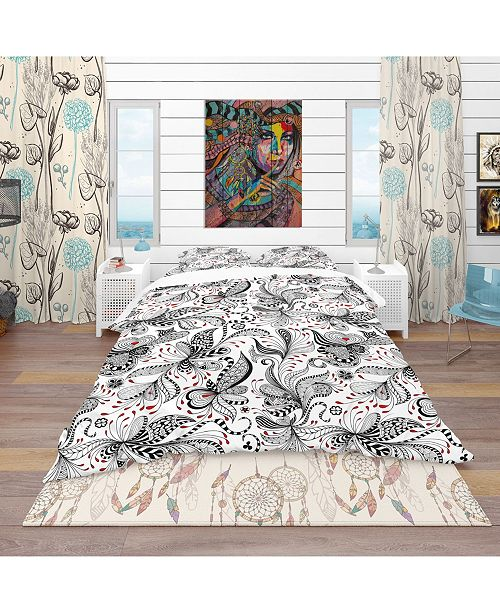 Design Art Designart 'Black and Red Floral Pattern' Bohemian and Eclectic Duvet Cover Set - King