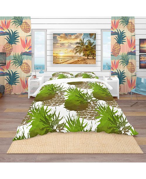 Design Art Designart 'Pineapple With Leaves Repeat Pattern' Tropical Duvet Cover Set - King