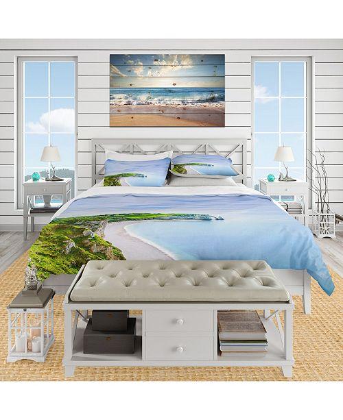 Design Art Designart 'Etretat Aval Cliff And Rocks Normandy' Bohemian and Eclectic Duvet Cover Set - Twin