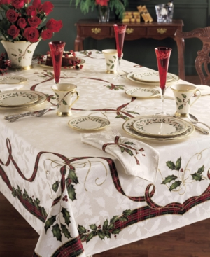 Lenox Holiday Nouveau 70 Round Tablecloth