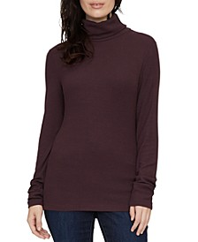 Essential Turtleneck Top