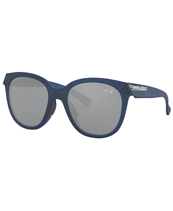 Oakley NFL Collection Sunglasses, New England Patriots Low Key OO9433 OO9433 54 LOW KEY