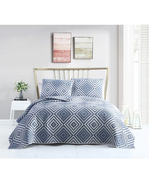 Seventh Studio Nevin Matelassé Diamond Quilt Sets