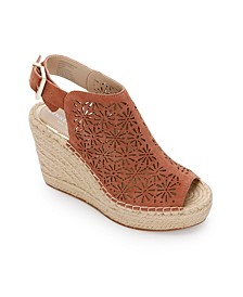 Olivia Perf Wedge Sandals