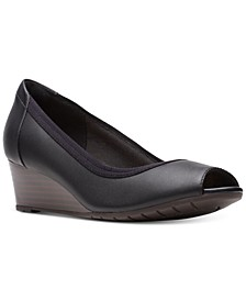 Collection Women's Mallory Charm Pumps