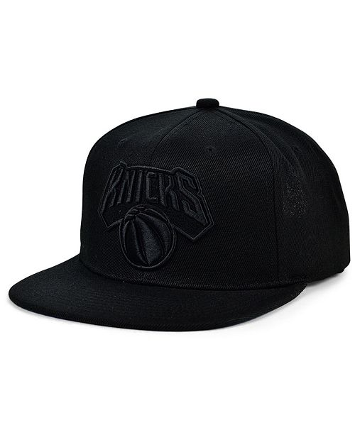 Mitchell & Ness New York Knicks Under The Black Snapback Cap