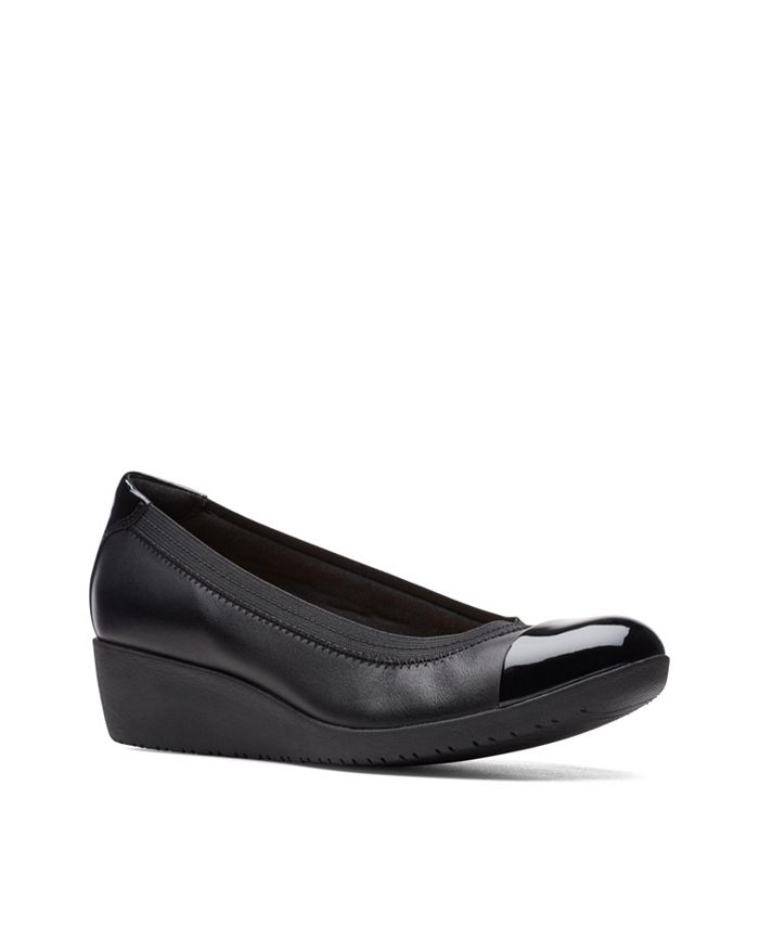 Clarks - Collection Women's Elin Palm Shoes