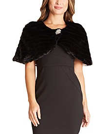 Juniors' Faux-Fur Brooch Cape