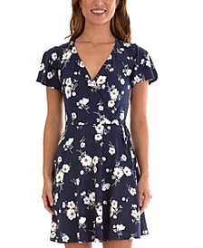 Juniors' Floral Flutter-Sleeve Dress