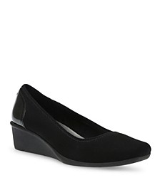 Sport Wisher Wedge Pumps