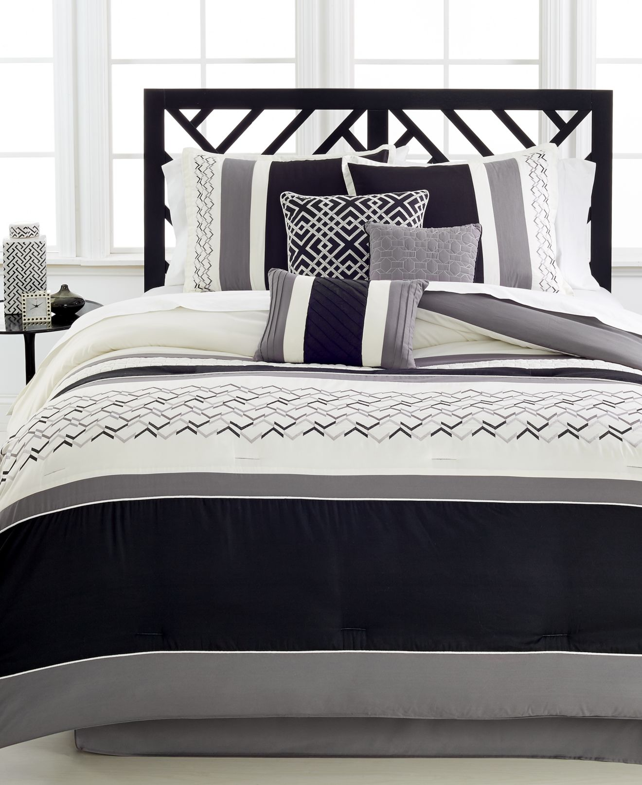 hallmart collectibles bed in a bag and comforter sets queen king fletcher 7 pc comforter set created for macy s