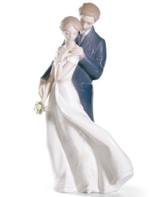 Lladro Collectible Figurine, Everlasting Love