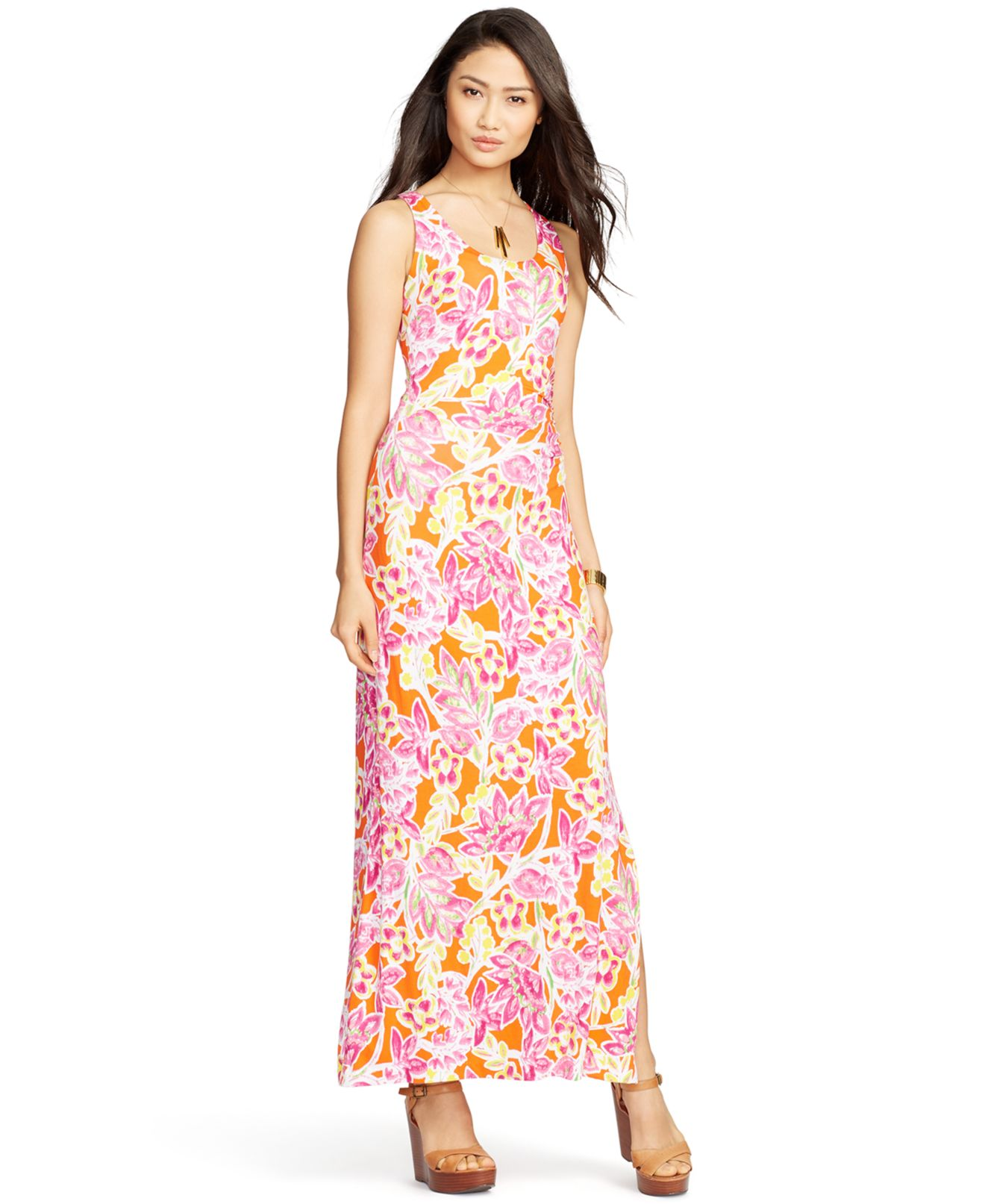 Advice on Maxi Dresses For Plus Size Women Long dresses are the perfect match for your frame as it minimizes large hips and legs. Here are a few tips on how to choose a maxi dress for your plus-size .
