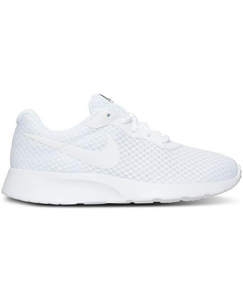 Line From Sneakers Women's Tanjun Casual Nike Finish qITY7n00
