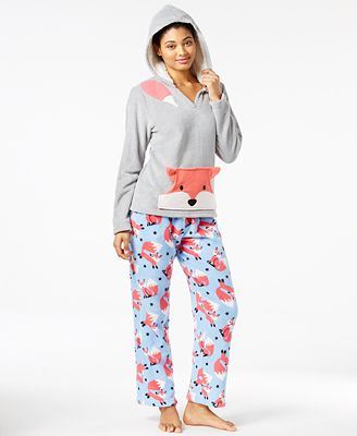 Plush offers a variety of Ultra-Soft Plaid Pajama sets for the best way to stay cozy & chic all year long. Featuring soft woven fabrics in classic plaid patterns in shades of red, navy, black, and white, and a variety of styles, including long and short sleeve shirts, pants, and shorts, these provide the perfect loungewear staple.