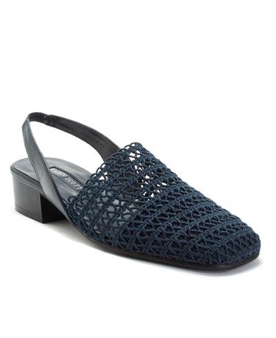 Karen Scott Carolton Sandals