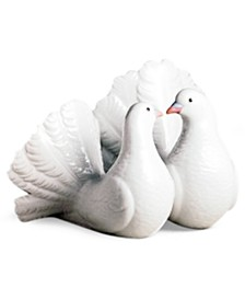 "Lladro Collectible Figurine, ""Kissing Doves"""