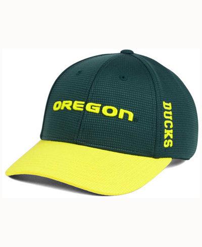 Top of the World Oregon Ducks Booster 2Tone Flex Cap