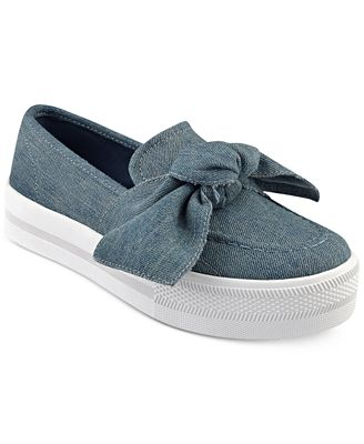 G by Guess Chippy Bow Sneakers