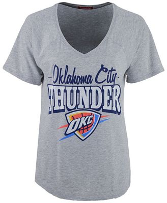 Mitchell & Ness Women's Oklahoma City Thunder Score V-Neck T-Shirt