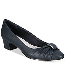 Easy Street Eloise Pumps