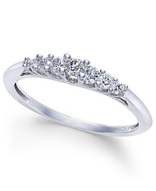 Diamond Seven-Stone Graduated Band (1/4 ct. t.w.) in 14k White Gold