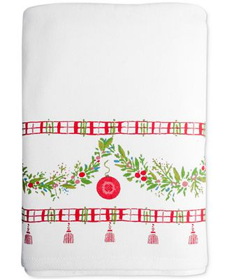 Ring In The Holiday Season With The Cheerful Cotton Holiday Bath Towel Collection From Dena Home This Three Piece Finger Tip Set Showcases Ornament Studded