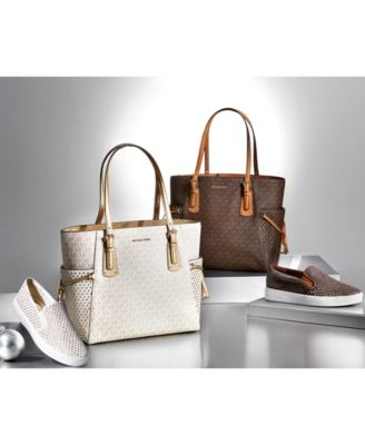 MICHAEL Michael Kors Fashion First Gifting Signature Collection