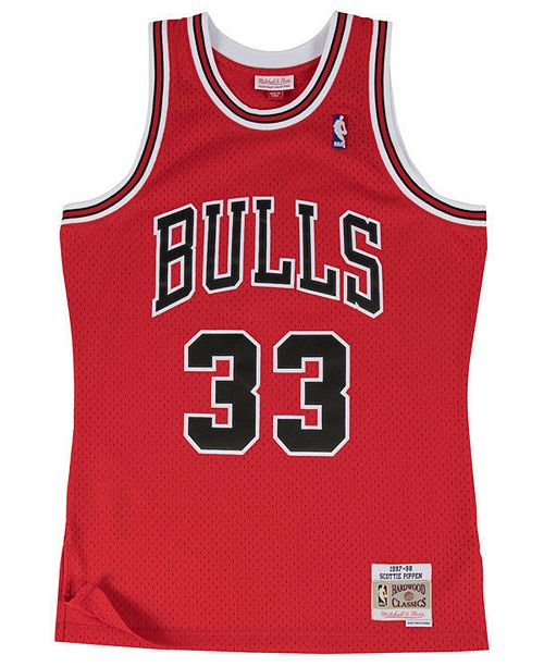 Mitchell & Ness Men's Scottie Pippen Chicago Bulls Hardwood Classic Swingman Jersey