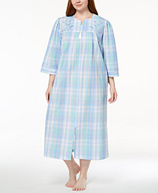 Miss Elaine Plus Size Embroidered Plaid Robe