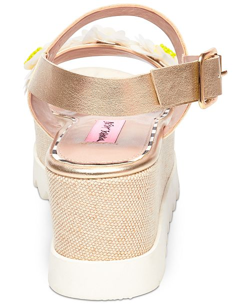 Betsey Johnson Pipper Flower Detail Platform Sandals Zt7vV