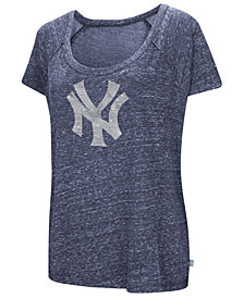 G-III Sports Women's New York Yankees Outfielder T-Shirt