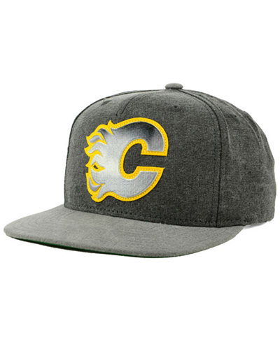 CCM Calgary Flames 2Tone Snapback Cap