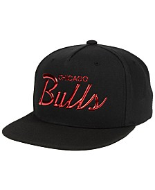 Mitchell & Ness Chicago Bulls Metallic Tempered Snapback Cap