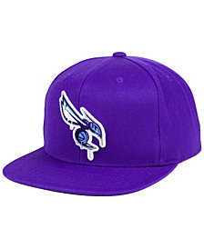 Mitchell & Ness Charlotte Hornets Dripped Snapback Cap